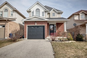66 blue lace cr, Kitchener Ontario, Canada